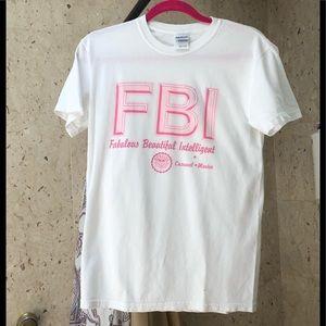 🇺🇸SALE♦️White n pink t shirt S